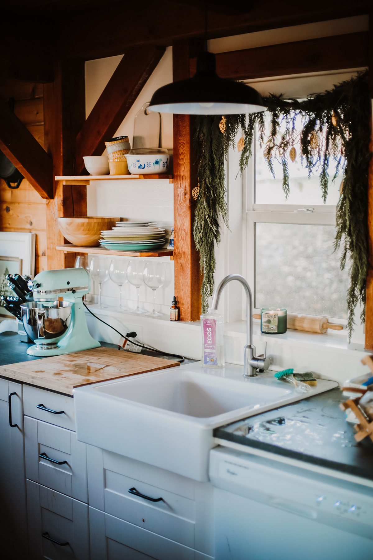 Christmas on Vashon Island | Cottage kitchen